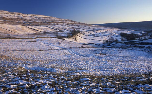 Snow covered Yorkshire Dales landscape. © Michael Murphy, NE
